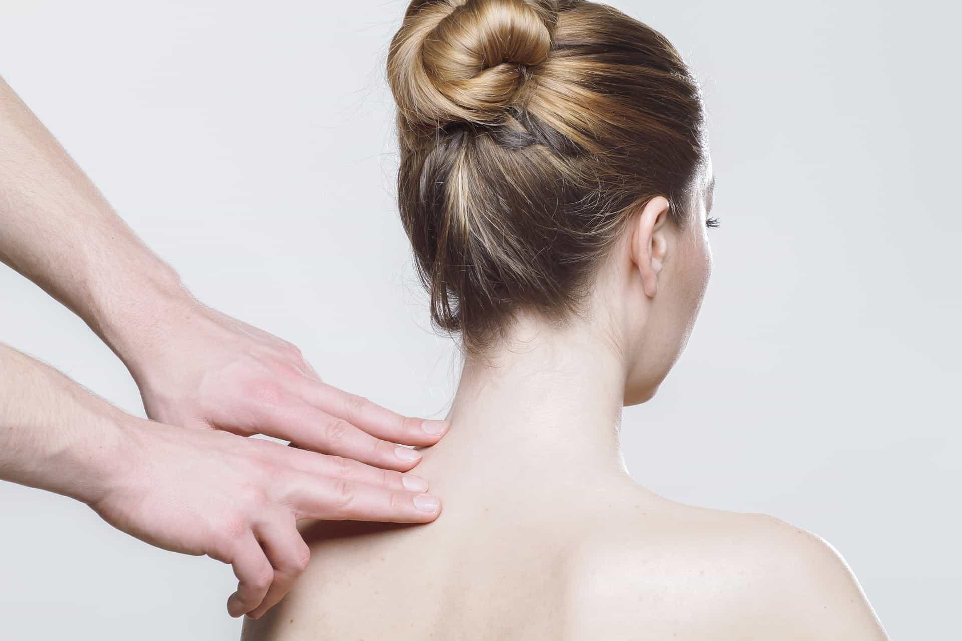 Automassaggio agopuntura per mal di testa